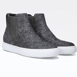 NEW Vince newlyn high top sneakers